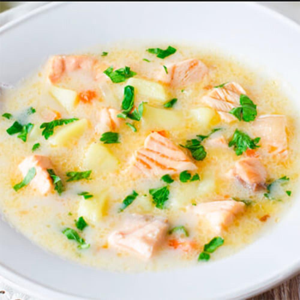 Вершковий суп з лососем