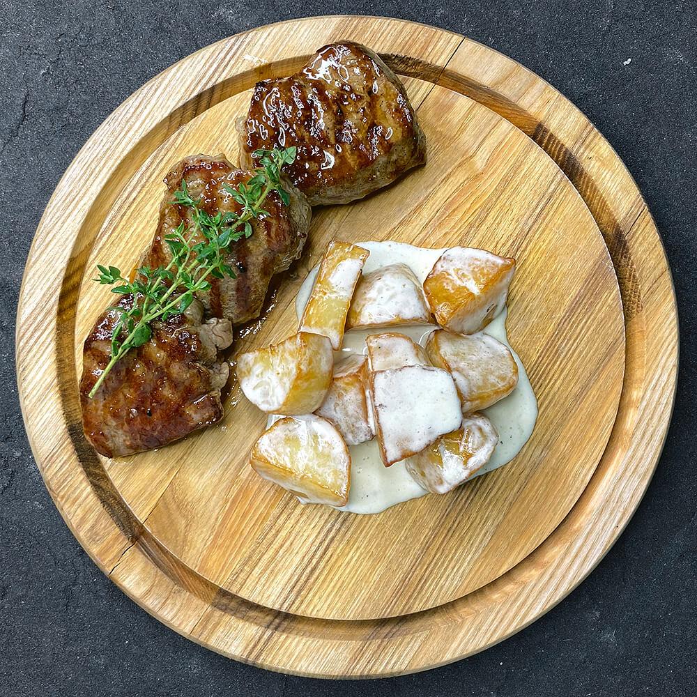 Соковита телятина з картоплею